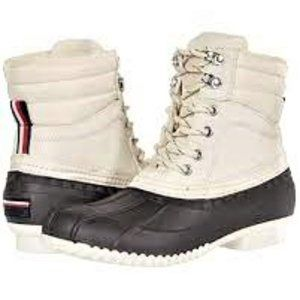 Tommy Hilfiger Duck Boot Rochelle 2 Size 8